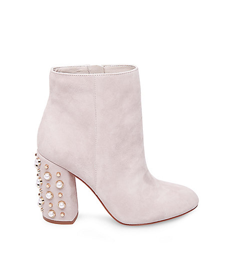 STEVEMADDEN-BOOTIES_YVETTE_TAUPE-SUEDE_SIDE